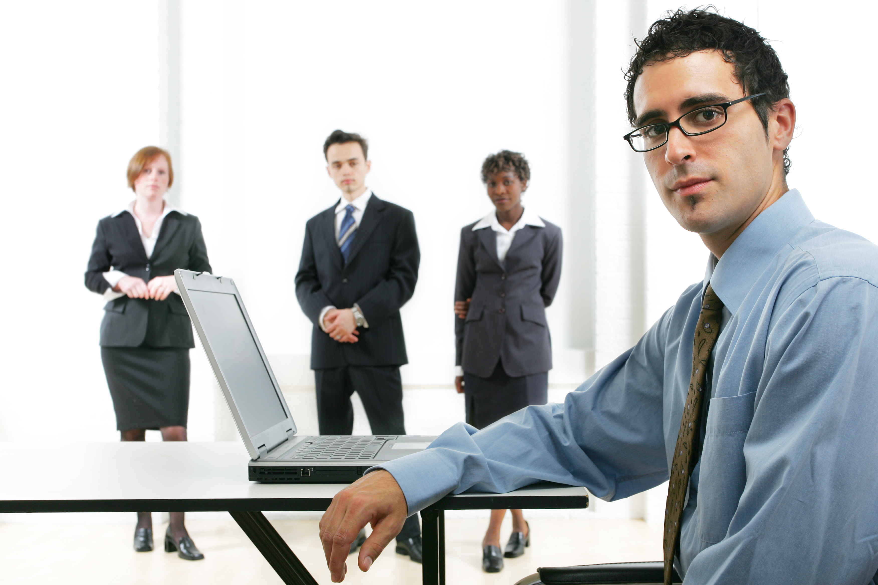 Muitas empresas atuam com cliente oculto